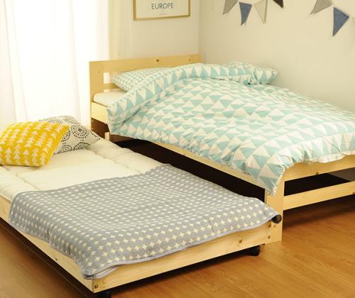 子供部屋の2段ベッド