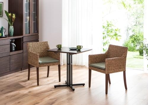 カフェ・テーブル