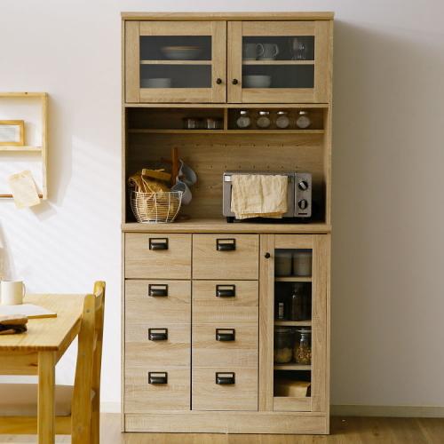 狭いキッチンにおすすめの食器棚
