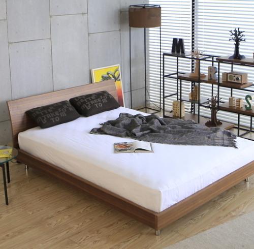高級ダブルベッド