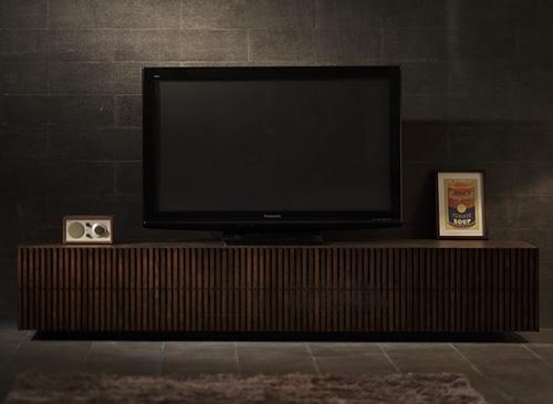 モダンのテレビボード