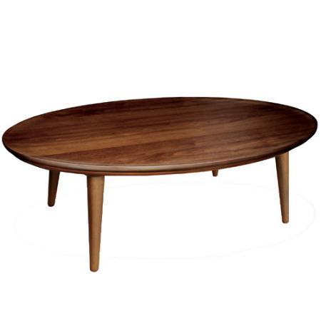 楕円形のダイニングテーブル